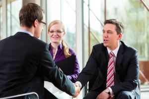 年轻创业者如何利用外包来扩张业务?