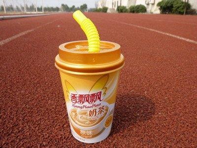 香飘飘蒋建琪:一杯奶茶卖到24亿元的创业故事
