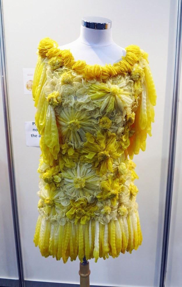 一系列礼服设计图