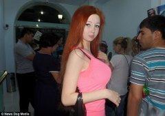 乌克兰16岁真人芭比美女 腰臀比惊人称未整