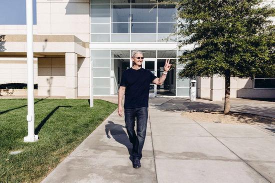 库克:三年再造苹果帝国