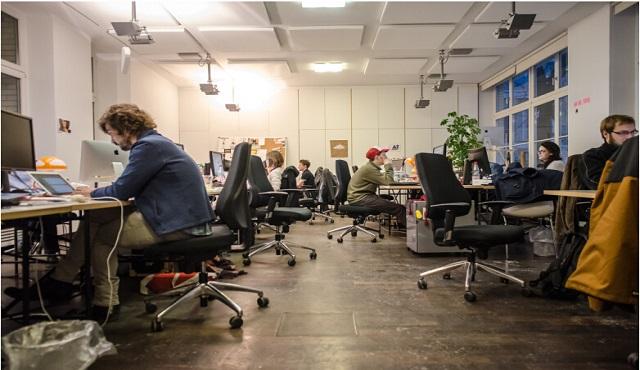 上班族干什么副业赚钱>>创业公司如何与传统行业巨头更好的合作_简数