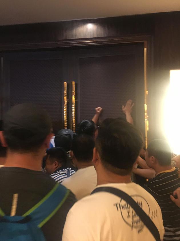 乐视股东大会 遭到20家供应商堵门讨债3330万