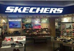 一双丑鞋,却在中国开4000家门店,年卖40亿美元!