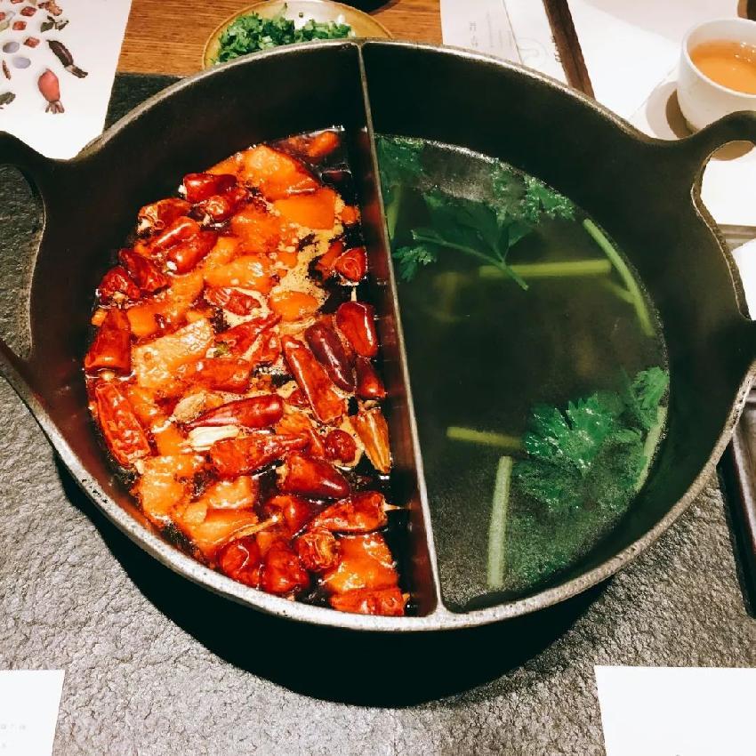 """1 ,把""""一锅汤""""做到极致,跳出火锅的竞争红海 热辣生活创始人韩东曾图片"""