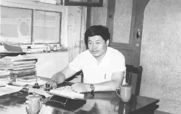 老人在小县城开厂子年入3750亿,超过BAT的总和