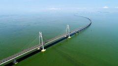 港珠澳大桥今日正式通车运营