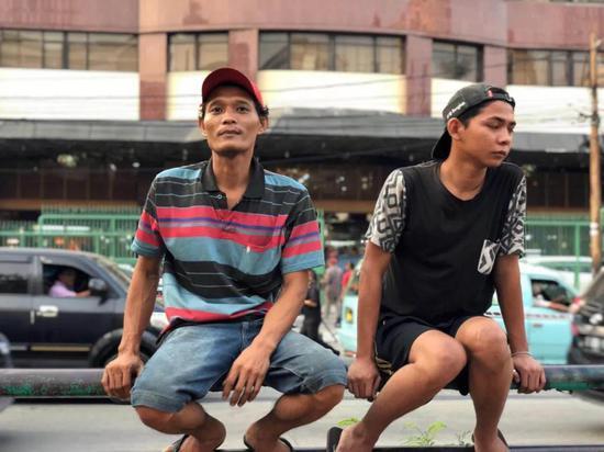 印尼雅加达街头青年