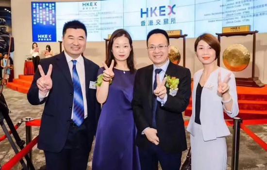中国互联网家装第一股齐家网上市现场,图来源于网络