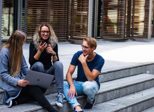 大学创业开什么店好?该怎么做?