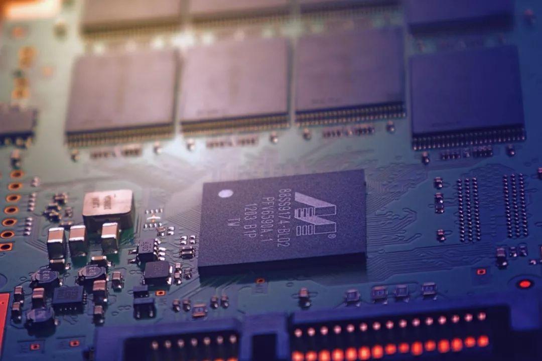 中国的芯片产业距崛起还有多远?