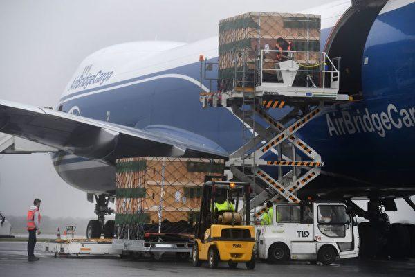 疫情下航空业遇新机 客运改货运环球送货
