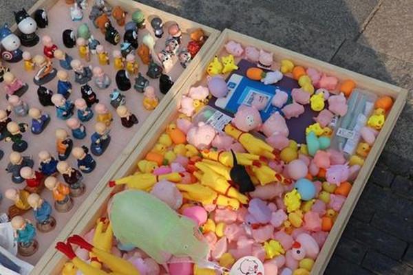 最好卖最暴利的地摊货玩具是什么?都具备什么特征?.jpg