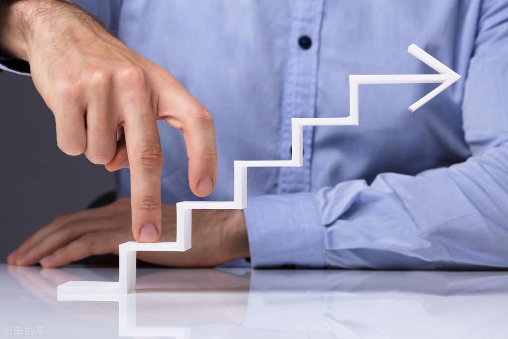 副业赚钱的真相:普通人何时应该搞副业,怎么搞才能赚到钱?