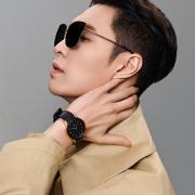 """得物App独家上线DW张艺兴同款腕表,一起探索""""兴""""动惊喜"""